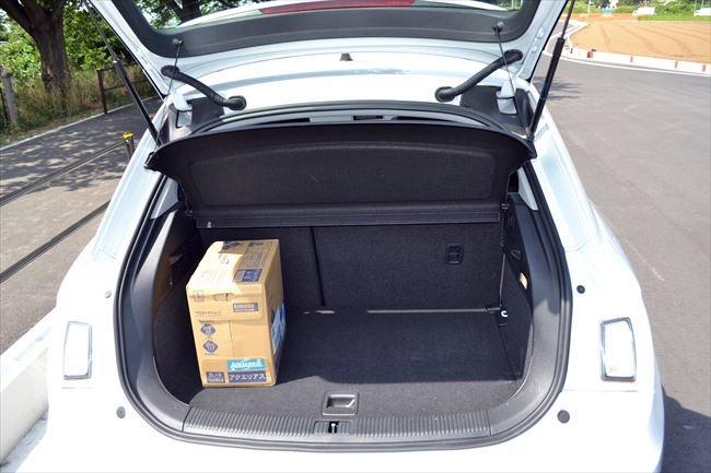 アウディA1スポーツバック トランク