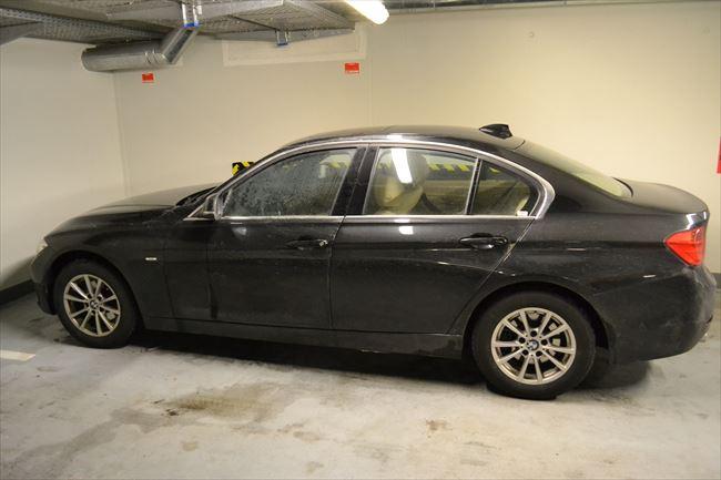 F30 BMW3シリーズを横から
