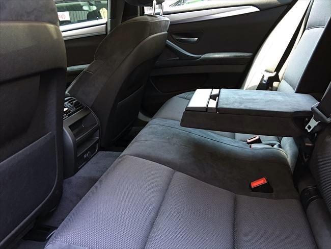 BMW5シリーズ 後部座席