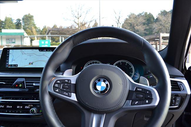 BMW 523d Mスポーツ スポーツステアリング