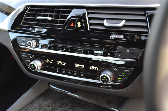 BMW 5シリーズ エアコン周り