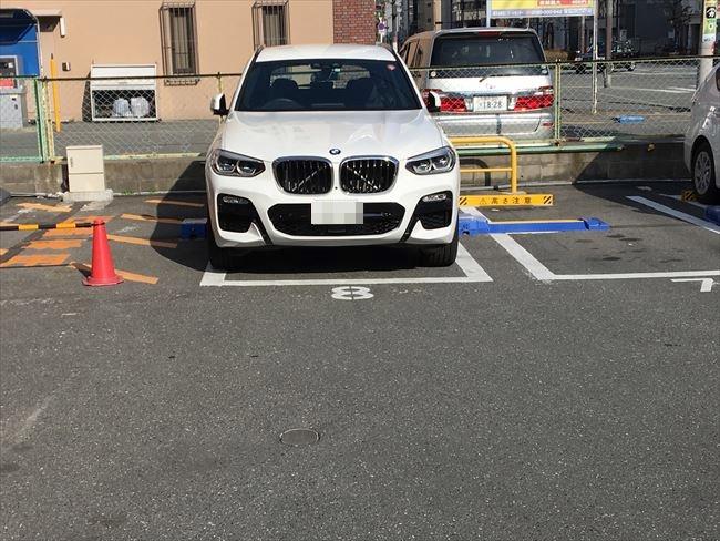 BMW X3 車庫入れ