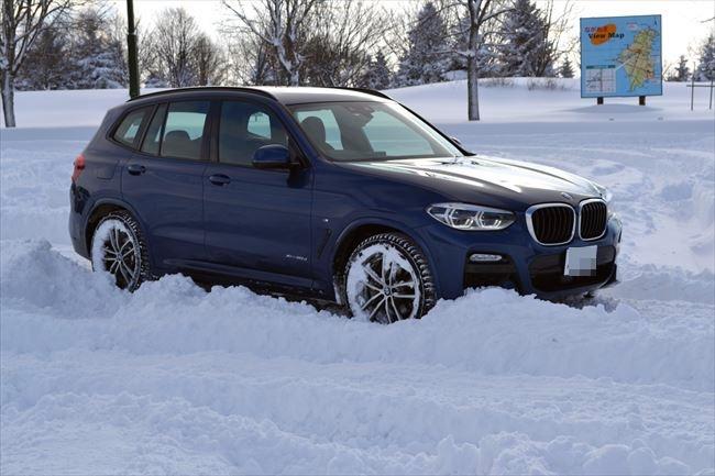 BMW X3 xDrive20d 雪道