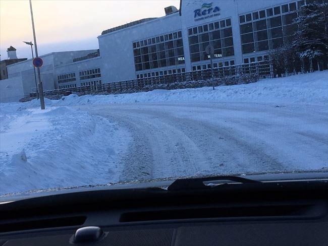 街中の雪道