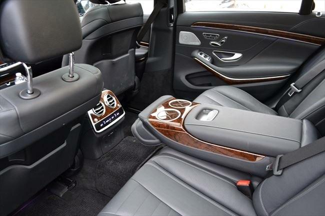S550L 後部座席