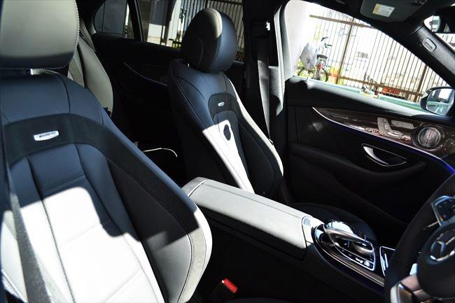 メルセデスAMG E43 4マチック フロントシート