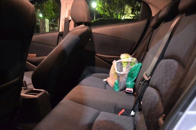 デミオの後部座席の快適性