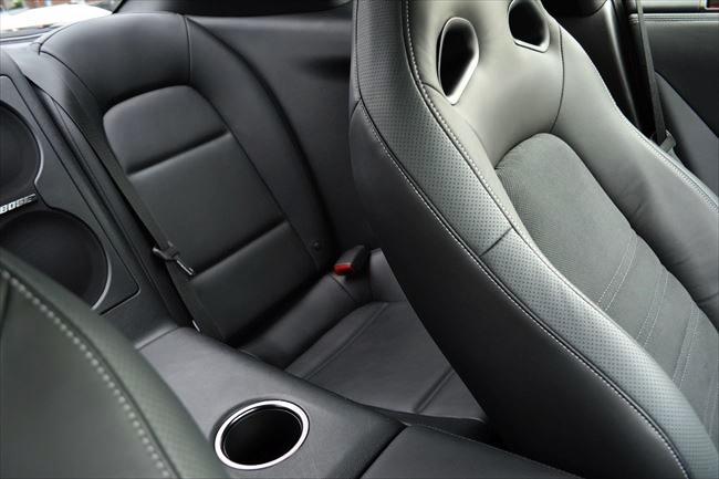 GT-R後部座席