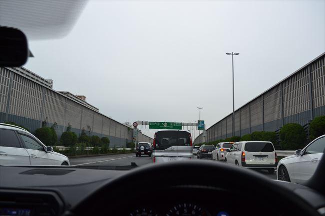 GT-R 渋滞は最悪