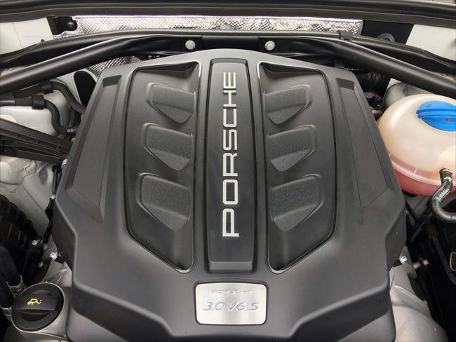 ポルシェ マカンS V6-3.0Lターボエンジン