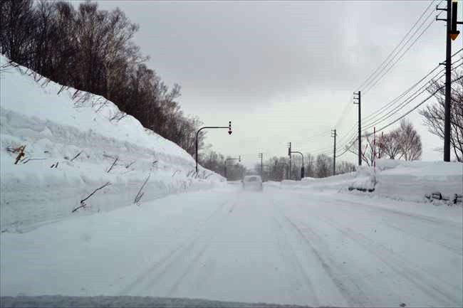 雪道での追い越しも容易