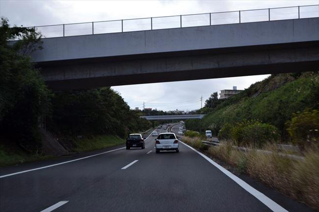 高速道路を走行