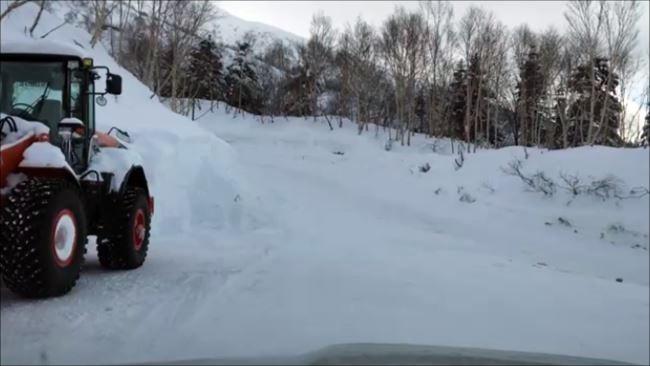 レヴォーグで雪道発進